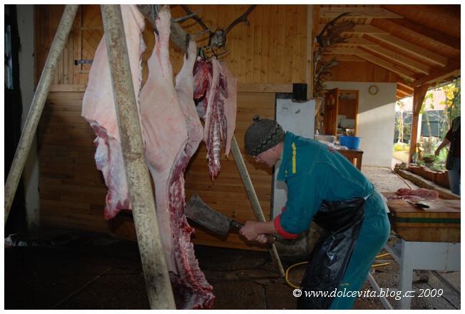 zabijačka21 porcování masa