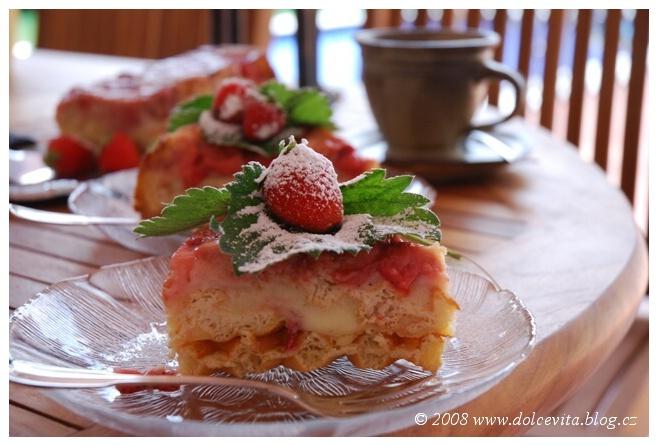 pečený pudink jahody a vafle