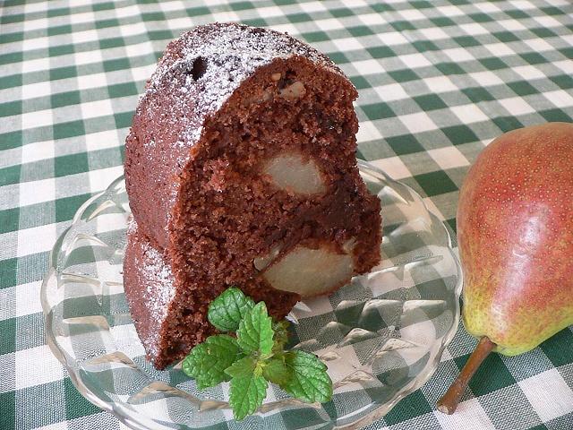 cokoladova-s-hruskami-rez2