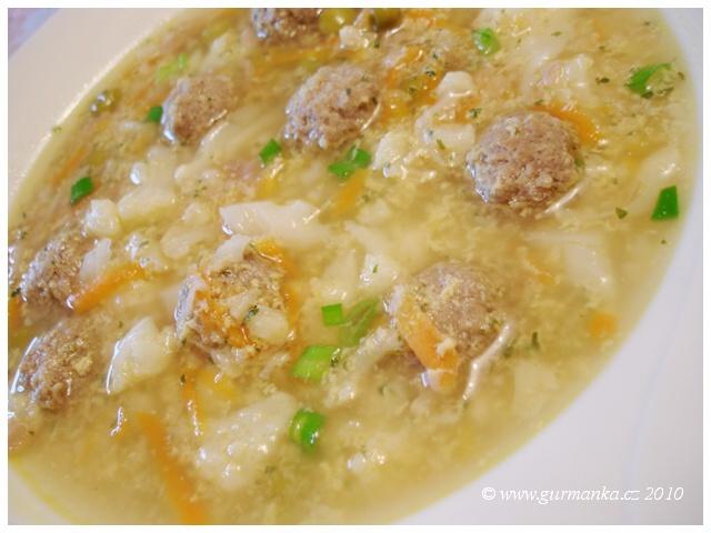 polévka knedlíčková 2