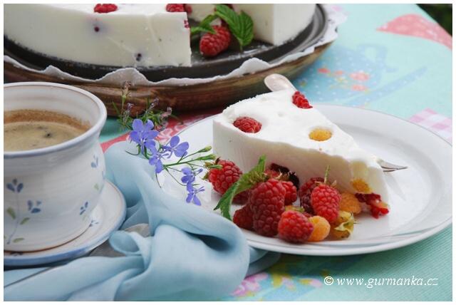 DSC_0433 malinovy nepeceny dort