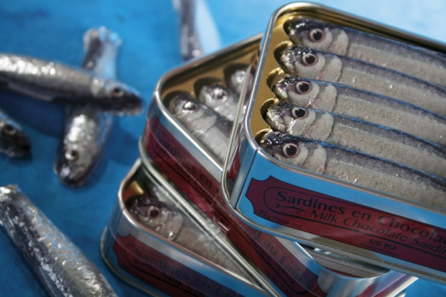 """""""Luxusní čokoláda ve tvaru sardinek v konzervě"""""""