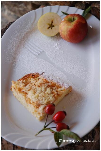 """""""jablečný koláč s drobenkou"""""""