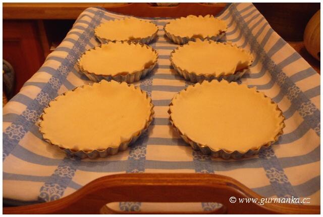 """""""pečení koláčků - tartaletek z listového těsta"""""""