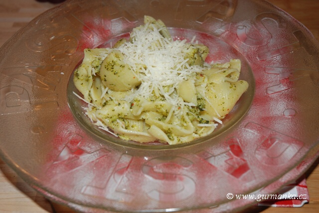 """""""těstoviny s brokolicí - pasta con broccoli"""""""