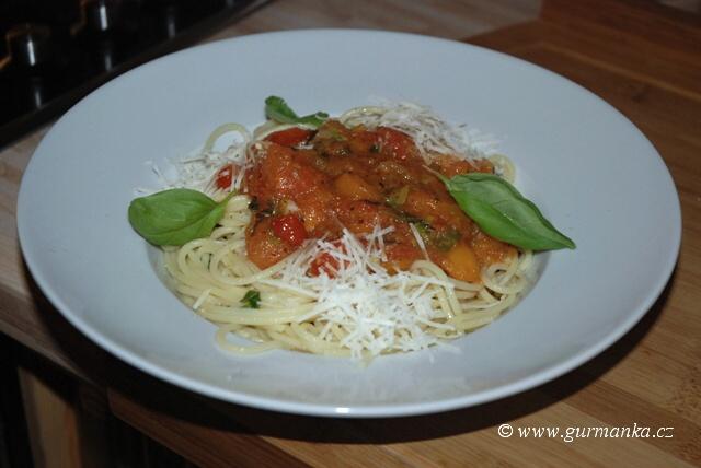 """špagety s rajčatovou omáčkou"""