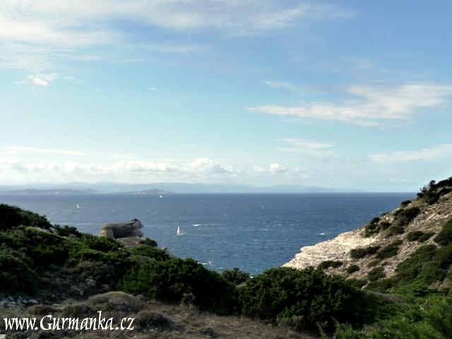 Korsika s pohledem na Sardinii