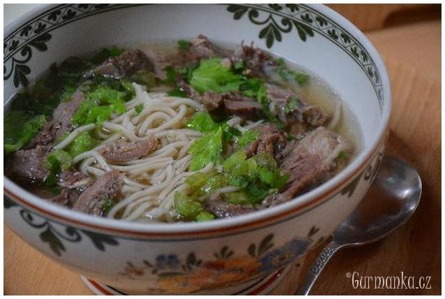 PHO BO, Vietnam polévka, silný hovězí vývar s nudlemi